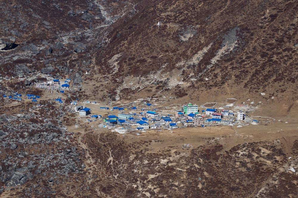 Kyangjin... La reconstruction des lodges a bien avancée.