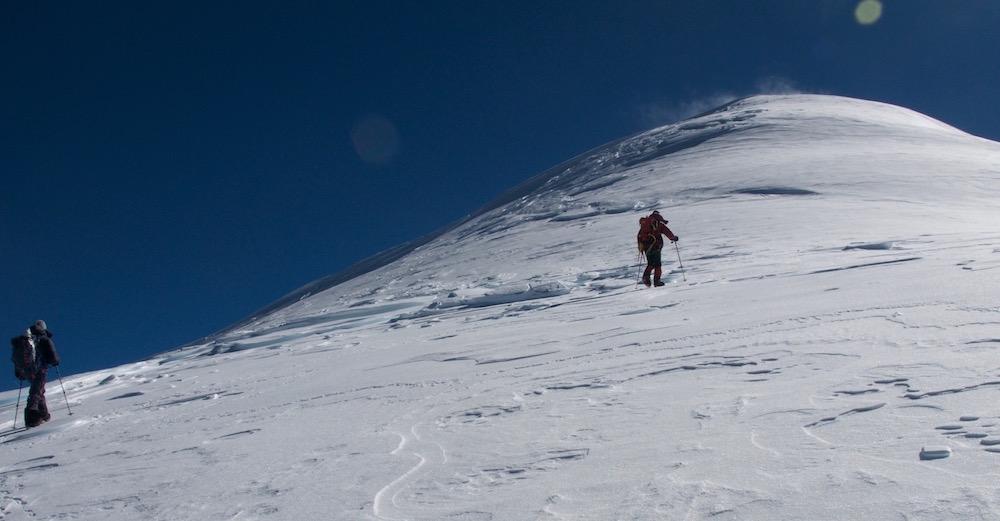 Si proche du sommet... Seulement 85 m. Mais le temps passe...