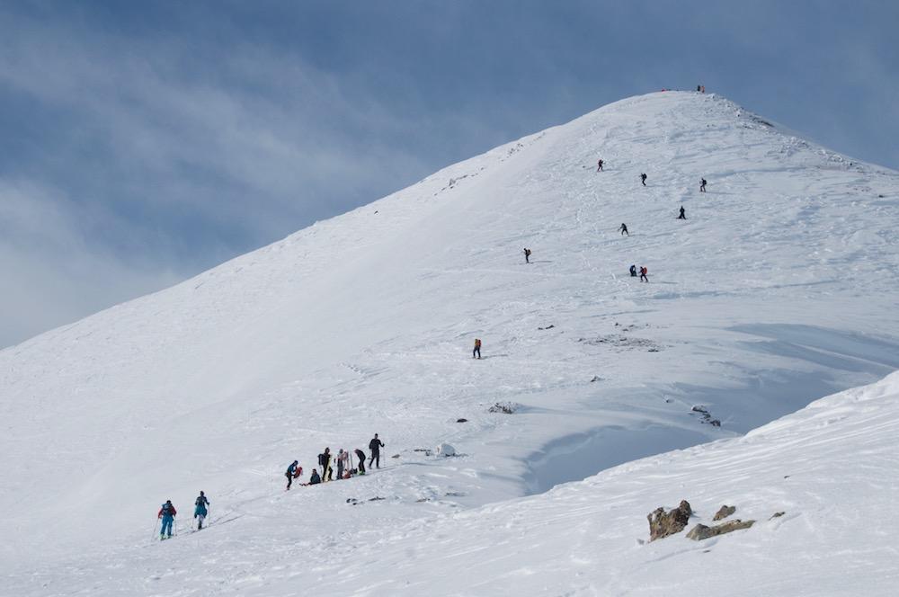 La pente terminale du Pic Blanc. Mais pas de panique, avec Sonia et Dimitri nous serons seuls au sommet.