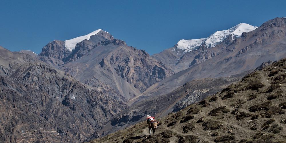 Climbing in Naar & Phu